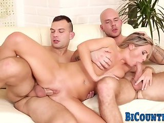 Cumshot,Bisexual,Threesome,Blowjob,gay Bisex dude jizzes whore