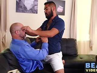Big Cock,Tattoo,Blowjob,Bareback,bear,gay sex,big dick,hairy,cub,hardcore gay,bearsvideos,gay Burly bear sucking cock before barebacking hairy lover