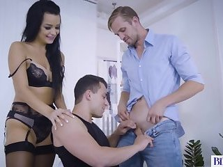 Anal,Bisexual,Threesome,Blowjob,hardcore,gay Beautiful babe has fun with bisex men