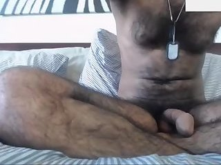 Amateur,Masturbation,Solo,hairy,arab,gay Sexy hairy Arab stud jerking off