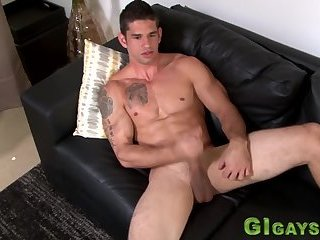 Cumshot,Amateur,Masturbation,Solo,muscle,gay Real ripped soldier tugs