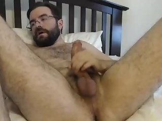 amateur,masturbation,solo,hunks,hairy,beard,gay Daddy Likes to Show