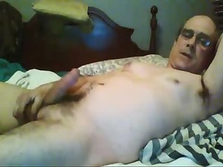 Amateur,Masturbation,Solo,Mature,daddy,galsses,gay Dad puts on a Skype jack show