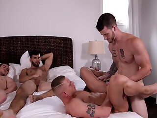 Anal,Hunks,Blowjob,group sex,muscle,bedroom,gay naked 7