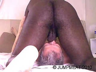 Mature gay deepthroating ebony dong