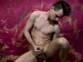 Amateur (Gay),Gays (Gay),HD Gays (Gay),Masturbation (Gay),Solo (Gay),Twinks (Gay) Solo twink toying his ass with huge dildo