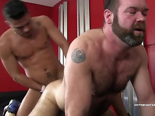 Interracial,Threesome,bear,big dick,ass to mouth,hairy,cock sucking,barebacking,gay Raw Spit Roasting Topher Phoenix