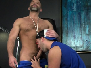 Asslick (Gay),Blowjob (Gay),Gays (Gay),HD Gays (Gay),Hunks (Gay) Buff jock jizzed by bear