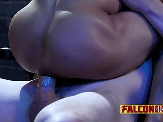 Anal,Big Cock,Bareback,gay,bdsm,close-up,stud,balls deep Kinky guy wants his friend to go extremely deep tonight