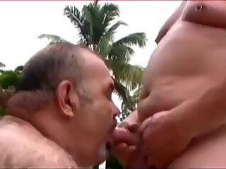 Amateur,Fat,Blowjob,daddy,bear,gay Bears On The Prowl