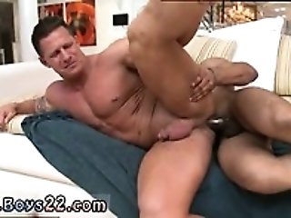 Gay young boy 3d porn JP gets down to service Mitch's rigid