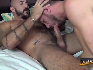 Cumshot,Amateur,Bears,Tattoo,Blowjob,Bareback,fuck,hairy,gay Bear raw dawgs and spunks