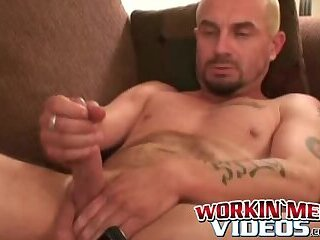 Cumshot,Amateur,Masturbation,Solo,Dildo,Mature,toys,interview, anal play,workinmenvideos,gay Mature man masturbates solo while having toy in his ass
