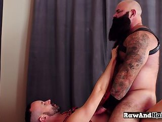 Anal,Bisexual,Bareback,bdsm,muscle,gay Otter mounts bears asshole for horny anal