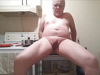 Amateur (Gay);Daddy (Gay);Canadian (Gay);HD Videos My daily pissplay before supper...