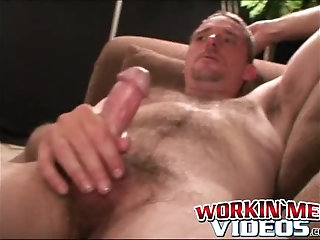 Cumshot,Amateur,Masturbation,Solo,Big Cock,Tattoo,big dick,stud,hairy,workinmenvideos,gay Hairy and mature guy shows off tattoos before wanking solo