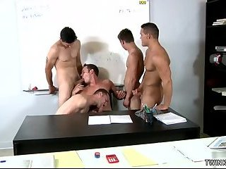 Blowjob,group sex,orgy,muscle,hung,son,gay Muscle son oral sex with cumshot