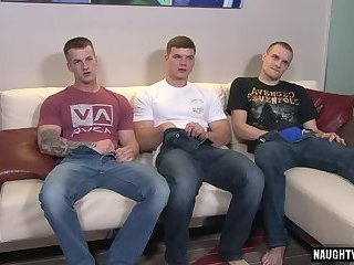 Threesome,Blowjob,gay,muscle Muscle gay threesome with cumshot