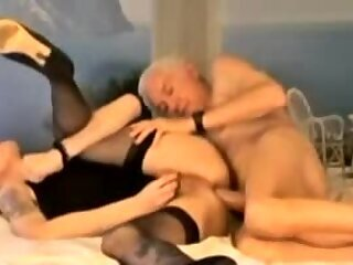 Amateur,crossdresser,sissy,crossdressing,gay Grandpa fucked Crossdresser