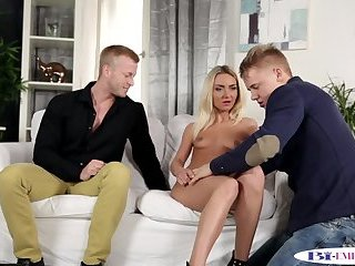 Anal,Bisexual,Fetish,Threesome,Blowjob,gay Muscular stud sucks dick while banging babe