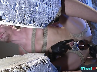 Anal,Body Builders,Bondage,Domination,Fetish,Threesome,Blowjob,gay Bound stud gets jizzcovered in foursome