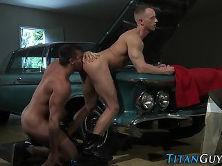 anal,body builders,rimming,anal sex,hunk,rimjob,muscled, asslick,gay Muscly mechanic spunks