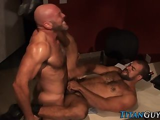 Anal,Hunks,Mature,gay,fuck,muscle A hairy Hung darksome Skinned Bear acquires came From A Great Member And wazoo gangbang Action
