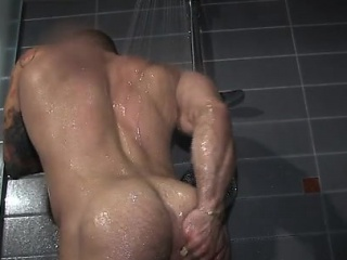Blowjob (Gay),Gays (Gay),Men (Gay),Muscle (Gay) Tattoo bodybuilder blowjob and cumshot