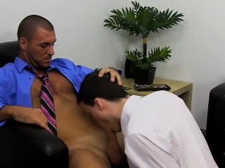 Bareback (Gay),Blowjob (Gay),Cumshot (Gay),Gays (Gay),Hunks (Gay) Working hours can be such a bore, so a break or two