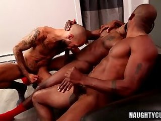 Anal,Big Cock,Ebony,Threesome,gay,oral,group sex,big dick,muscle Big dick gay oral sex with cumshot