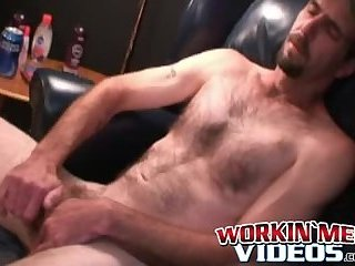 Cumshot,Amateur,Masturbation,Solo,Big Cock,Mature,Tattoo,big dick,hairy,workinmenvideos,gay Nasty looking old guy takes his big dick and jerks off