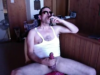Amateur (Gay);Big Cocks (Gay);Daddies (Gay);Masturbation (Gay);Men (Gay) Str8 daddy smoke & stroke