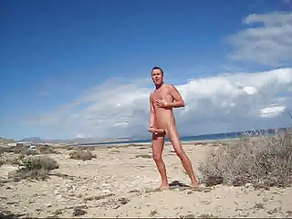 Amateur (Gay);Beach (Gay);Men (Gay) Beach fun