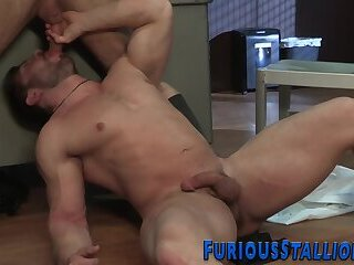 Bisexual,gay,HD Muscly hunks in interracial office threesome