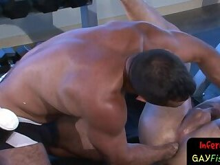 Body Builders,gay Muscle jock fisting submissive stud