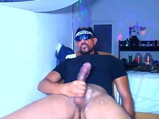 Amateur,Masturbation,Solo,Mature,sunglasses,gay Mature Latino is packing a monster cock