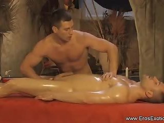 Handjob,Massage,oiled,gay The homo Massage Technique