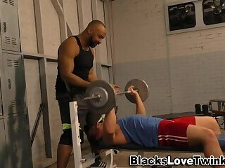 Anal,Cumshot,Amateur,Body Builders,Ebony,Interracial,muscle,gay Muscly whitey sucks bbc