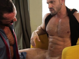 Asslick (Gay),Blowjob (Gay),Gays (Gay),Men (Gay),Muscle (Gay) Hairy gay flip flop and facial