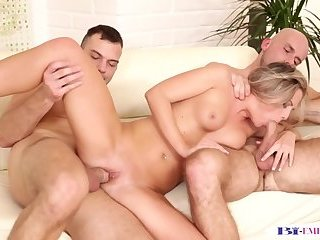 Anal,Cumshot,Bisexual,Threesome,gay Tugging stud pussylicking in bi threesome