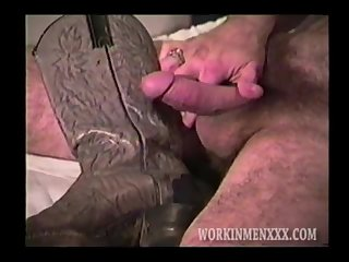 Amateur,Homemade,Mature,jacking off,hairy,gay Rugged and Hairy Man Alan Jacks Off
