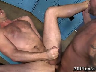 Bisexual,bdsm,cock 2 cock,gay Bears suck cocks and fuck in locker room