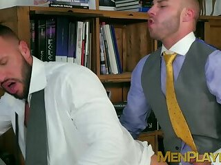 Anal,Big Cock,Tattoo,Blowjob,hunk,office sex,big dick,suit,businessmen,MenPlaying,executive,sex at work,gay Bearded colleagues kiss and anal fuck at the office