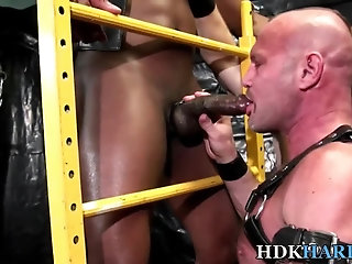 Big Cock,Interracial,Blowjob,Bareback,gay Black guy tongues ass raw