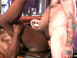 Anal,Cumshot,Amateur,Ebony,Threesome,muscle,gay Cocksucking black amateur getting spitroasted