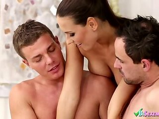 Anal,Amateur,Bisexual,Threesome,gay Bisex threesome porn with Tina Kay