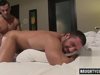 Anal,Hunks,Mature,Tattoo,Blowjob,doggystyle,muscled,Athletes,gay Tattoo bodybuilder blowjob with cumshot