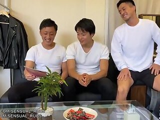 Amateur,gay Caught friend looking at porn Japanese boys have threes