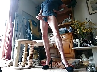 Big Cocks (Gay);Crossdressers (Gay) High Heeled Cock 1