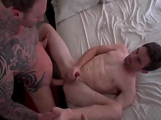 Anal,Bareback,gay,fuck Merry Christmas From The Tattooed Hunk And His skinny Boyfriend